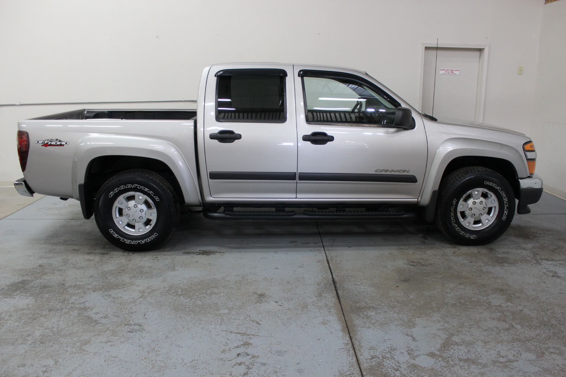 2005 gmc canyon z71 sle biscayne auto sales pre owned. Black Bedroom Furniture Sets. Home Design Ideas