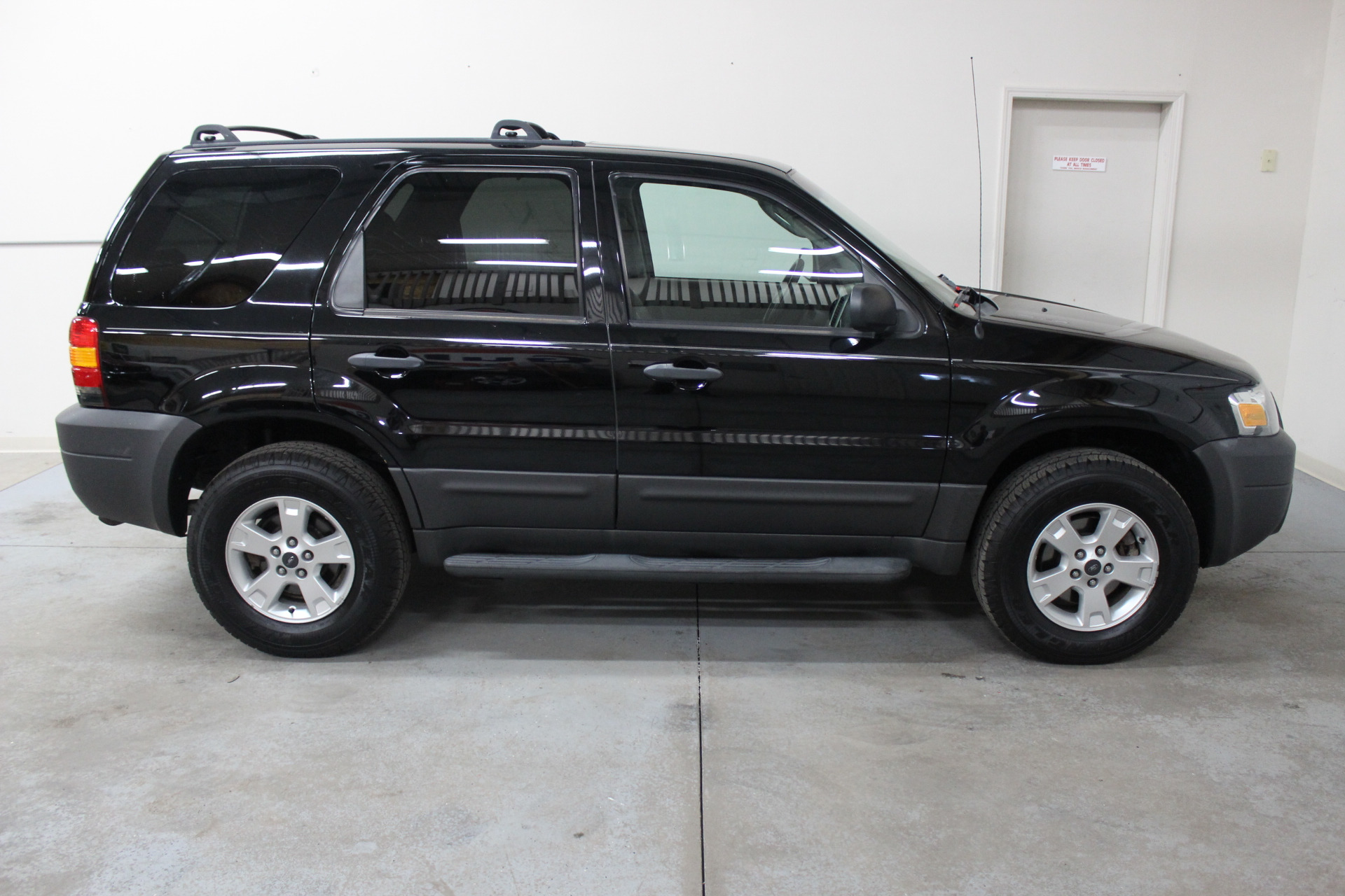 2006 ford escape xlt sport biscayne auto sales pre owned dealership ontario ny. Black Bedroom Furniture Sets. Home Design Ideas