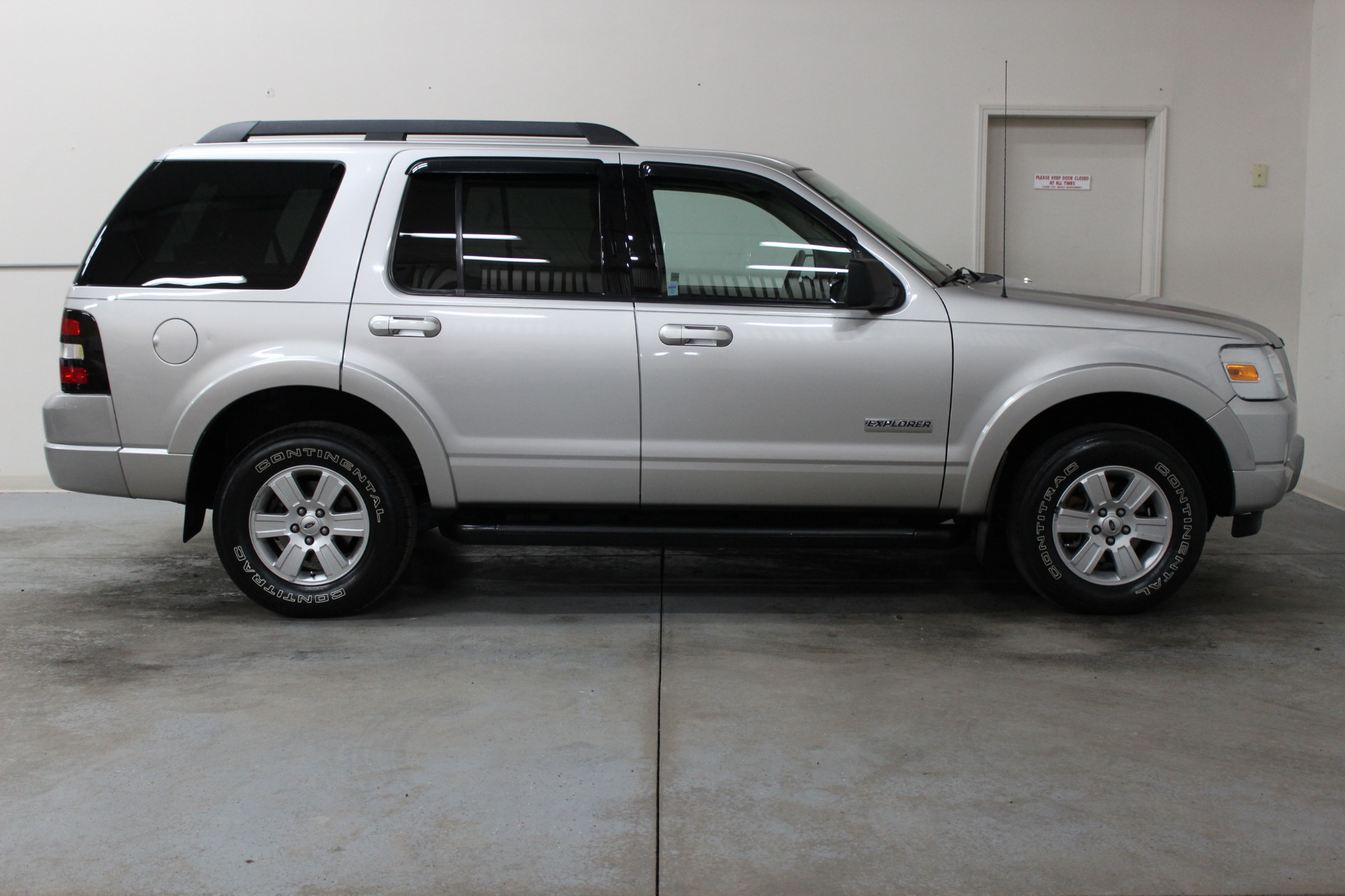 2007 ford explorer xlt biscayne auto sales pre owned. Black Bedroom Furniture Sets. Home Design Ideas