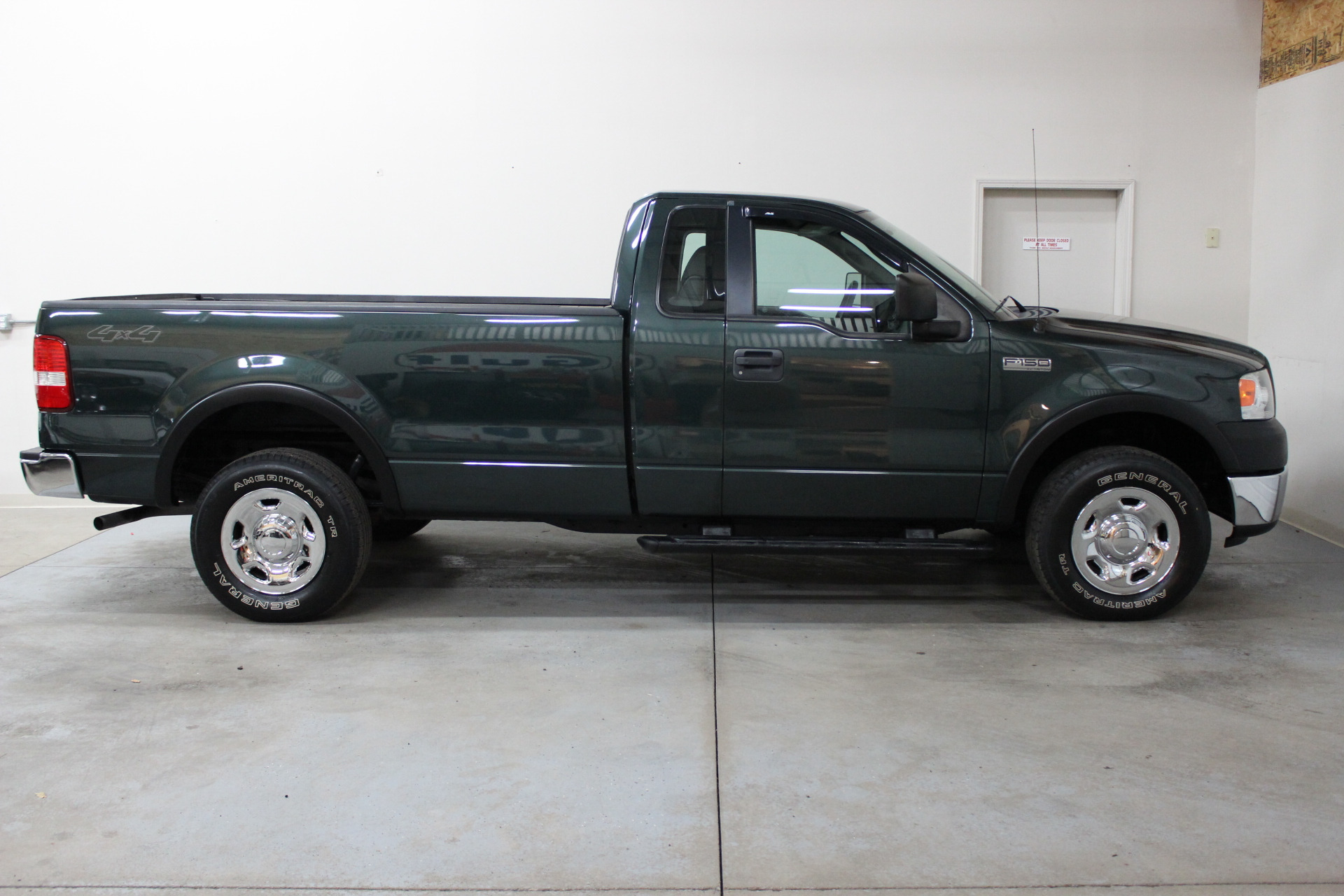 2006 ford f 150 xl biscayne auto sales pre owned dealership ontario ny. Black Bedroom Furniture Sets. Home Design Ideas