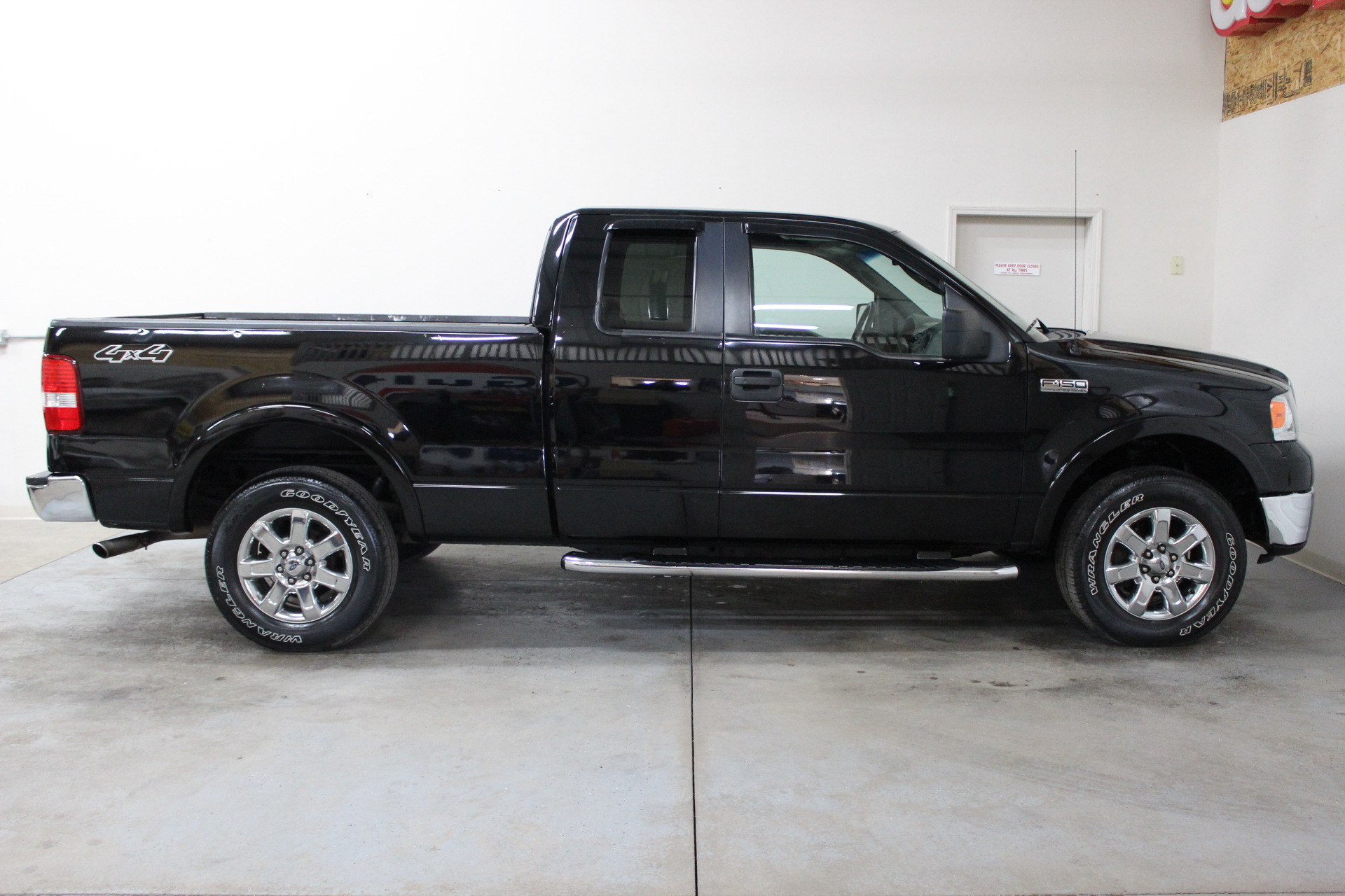 2007 ford f 150 xlt biscayne auto sales pre owned dealership ontario ny. Black Bedroom Furniture Sets. Home Design Ideas
