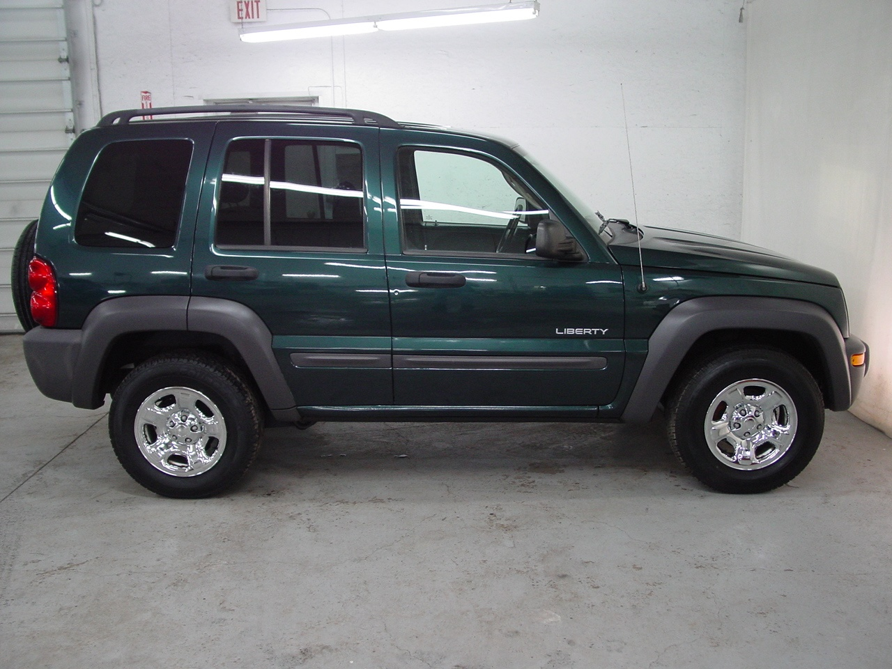 Liberty Auto Sales >> 2004 Jeep Liberty Sport - Biscayne Auto Sales | Pre-owned Dealership | Ontario, NY