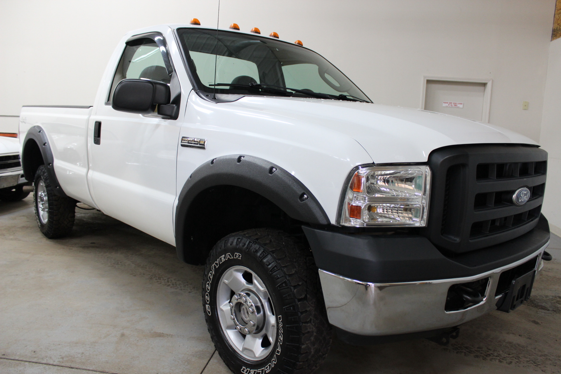 2007 ford f 250 super duty xl biscayne auto sales pre owned dealership ontario ny. Black Bedroom Furniture Sets. Home Design Ideas