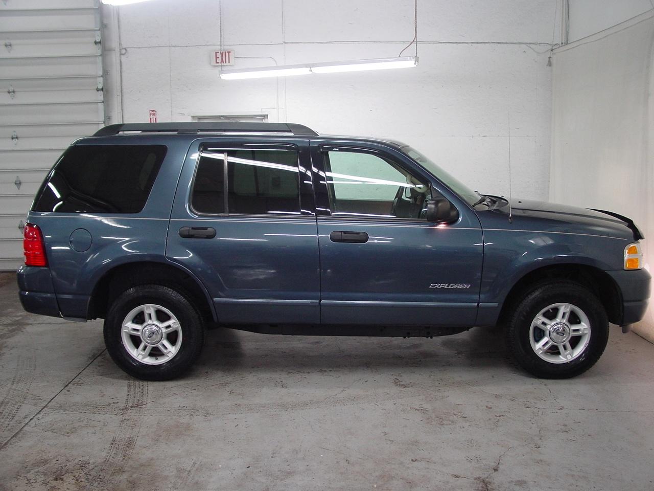 2005 ford explorer xlt biscayne auto sales pre owned dealership ontario ny. Black Bedroom Furniture Sets. Home Design Ideas