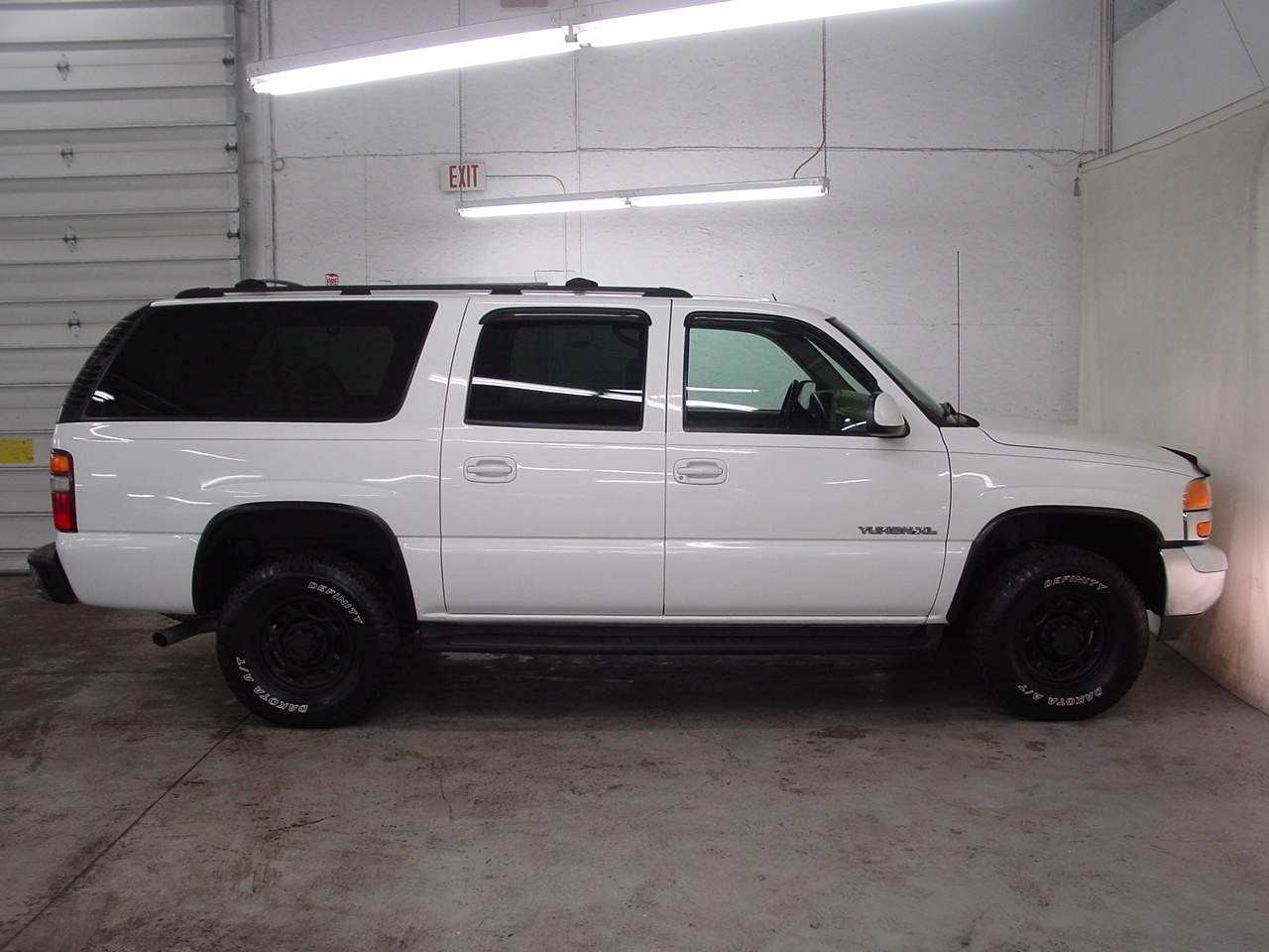 2002 gmc yukon xl 2500 slt 4x4 biscayne auto sales pre. Black Bedroom Furniture Sets. Home Design Ideas