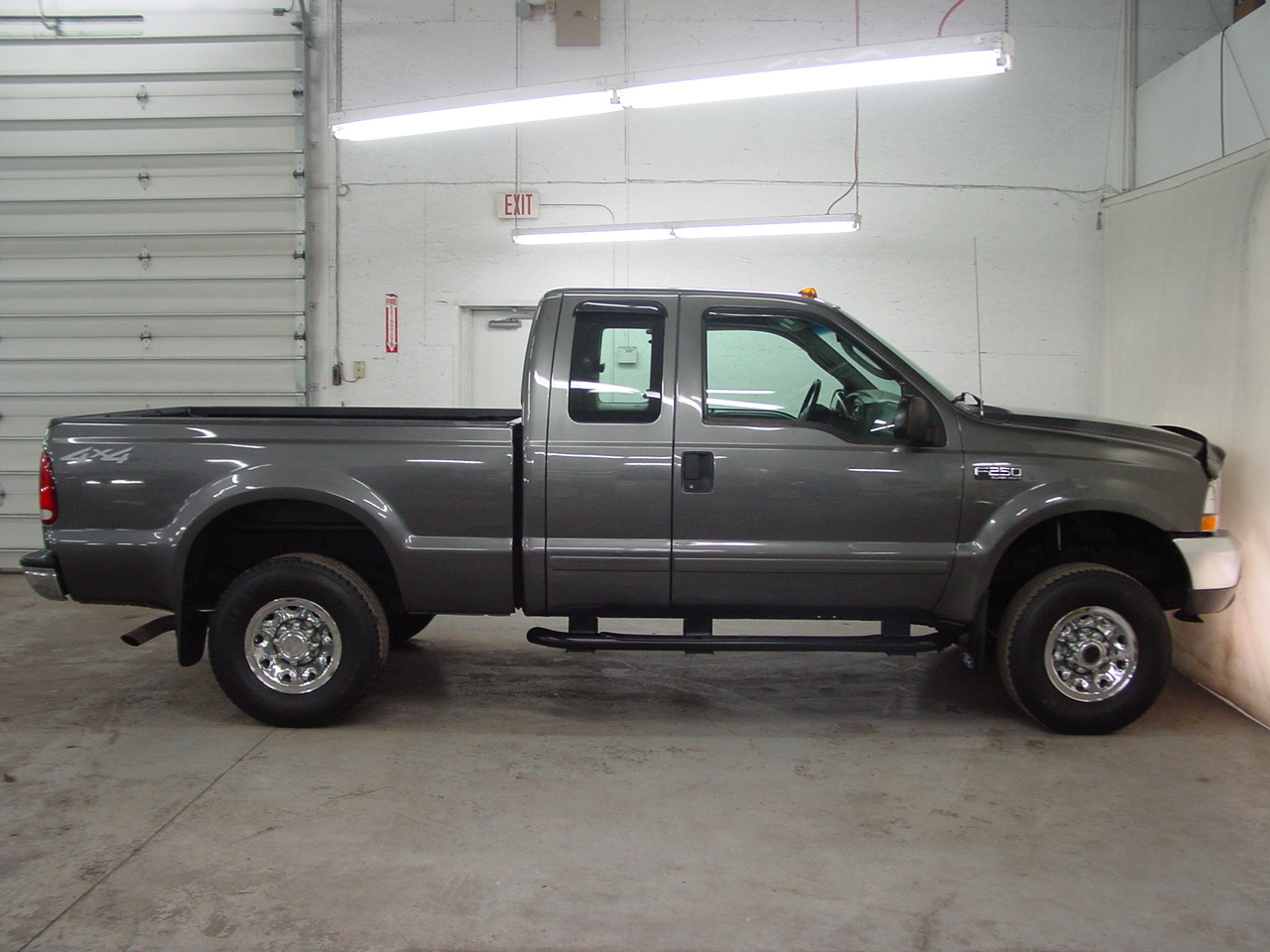 2003 ford f 250 super duty xlt biscayne auto sales pre owned dealership ontario ny. Black Bedroom Furniture Sets. Home Design Ideas