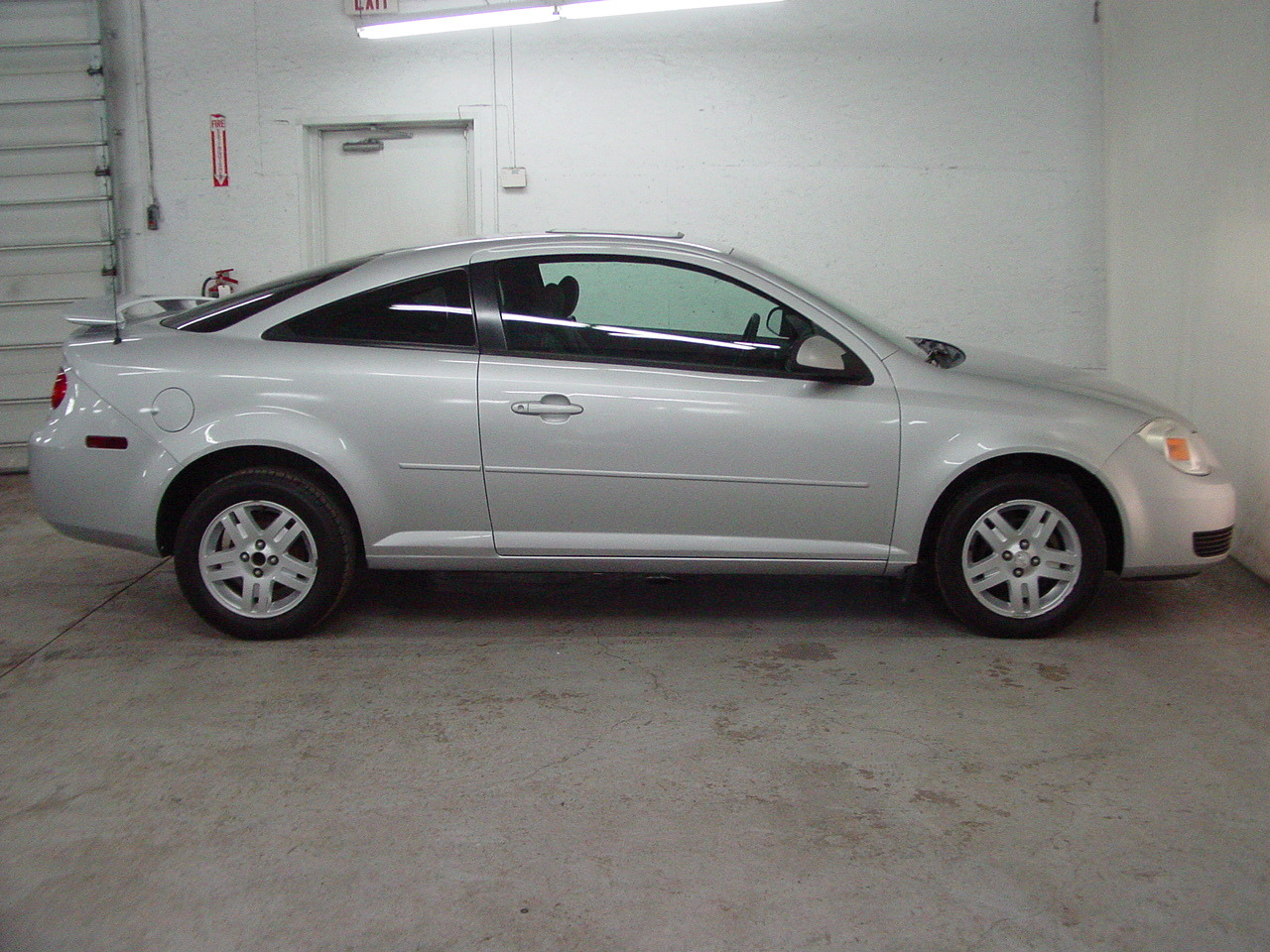 2005 chevrolet cobalt ls biscayne auto sales pre owned. Black Bedroom Furniture Sets. Home Design Ideas