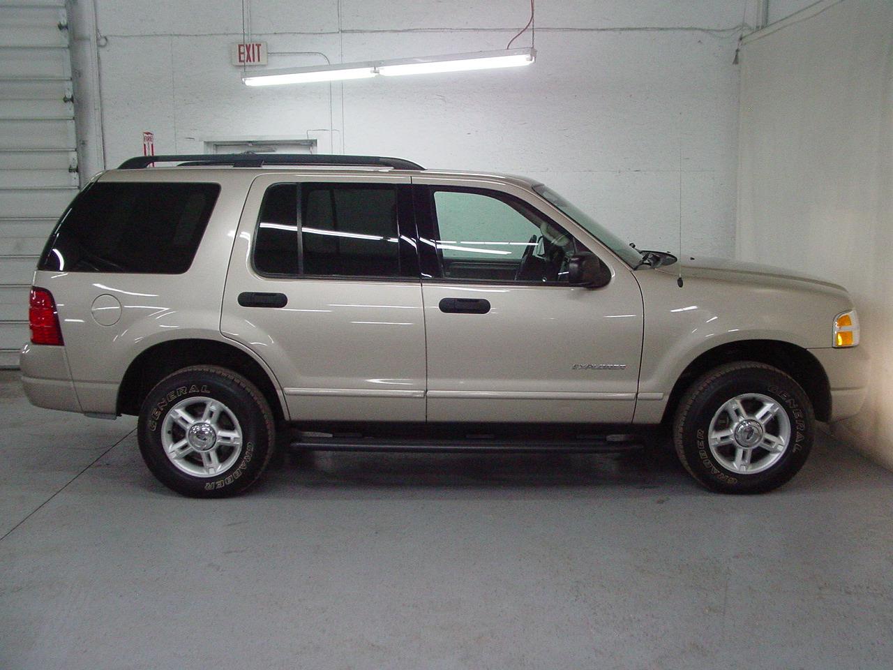 2004 ford explorer xlt biscayne auto sales pre owned. Black Bedroom Furniture Sets. Home Design Ideas