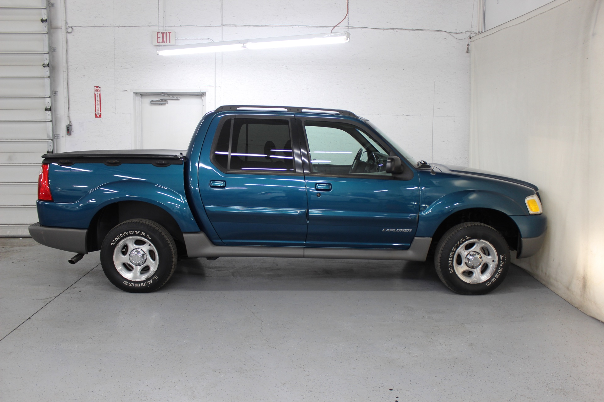 2001 ford explorer sport trac biscayne auto sales pre owned dealership ontario ny. Black Bedroom Furniture Sets. Home Design Ideas