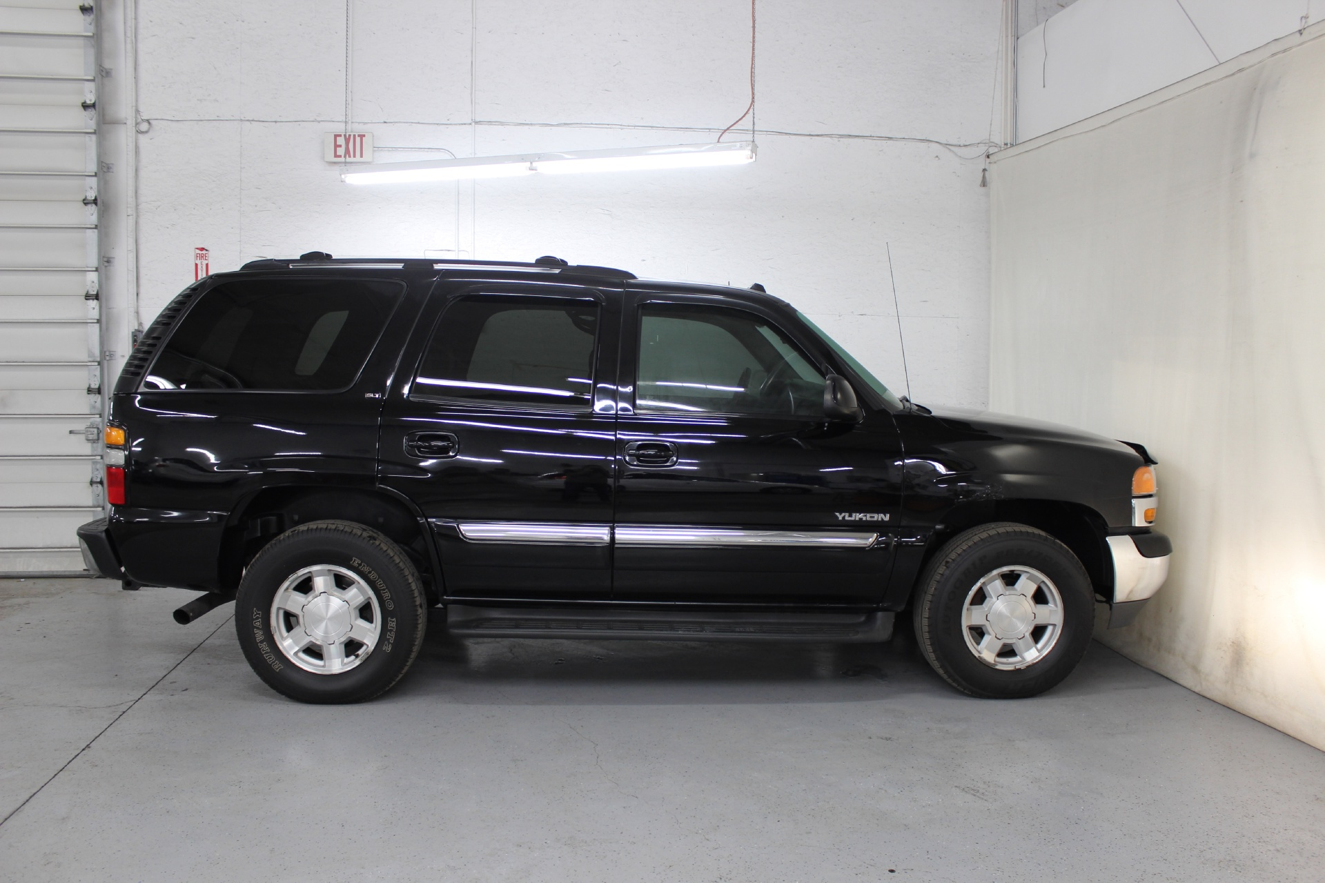 2004 GMC Yukon SLT - Biscayne Auto Sales | Pre-owned Dealership | Ontario, NY