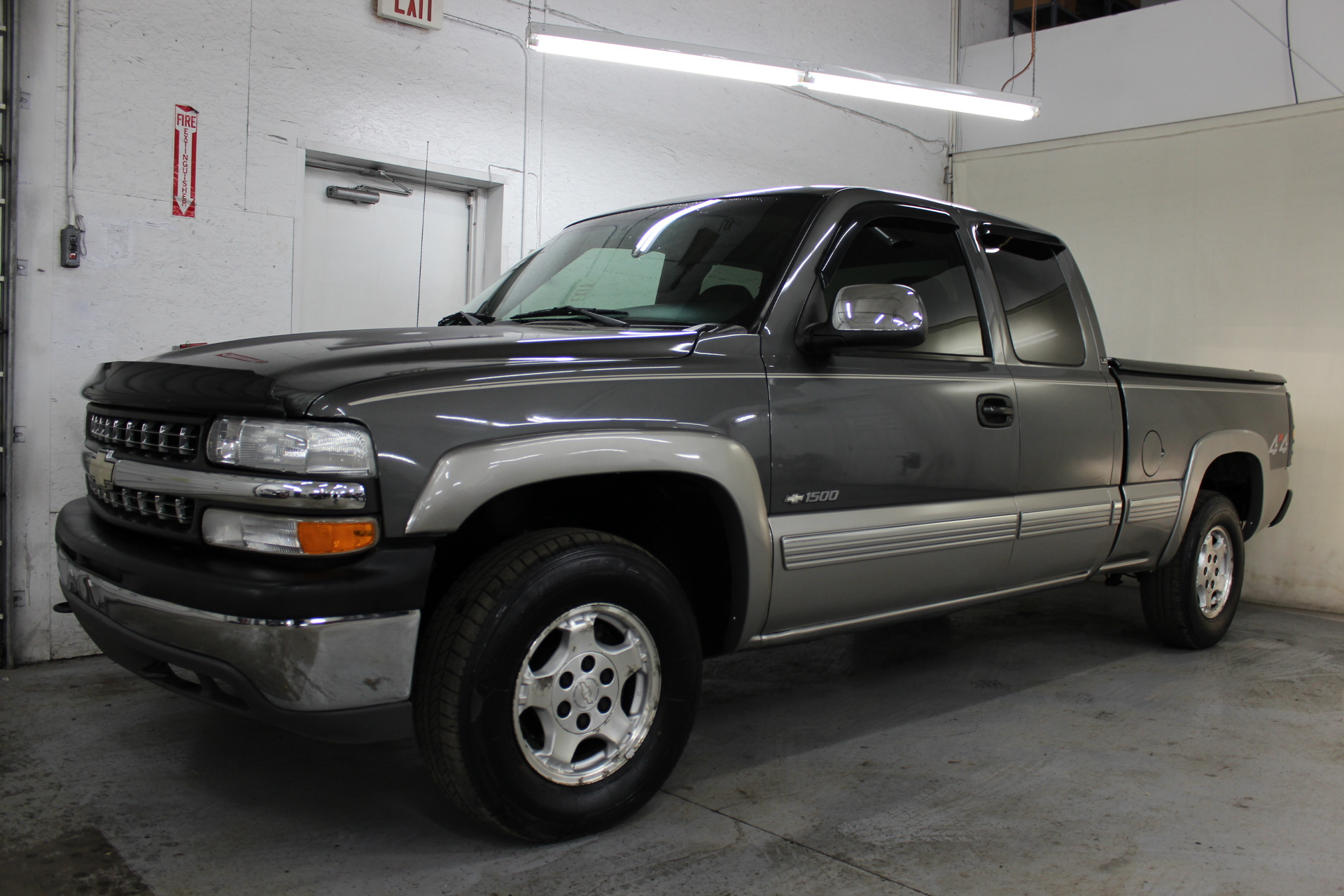2002 chevrolet silverado 1500 ls biscayne auto sales pre owned dealership ontario ny. Black Bedroom Furniture Sets. Home Design Ideas