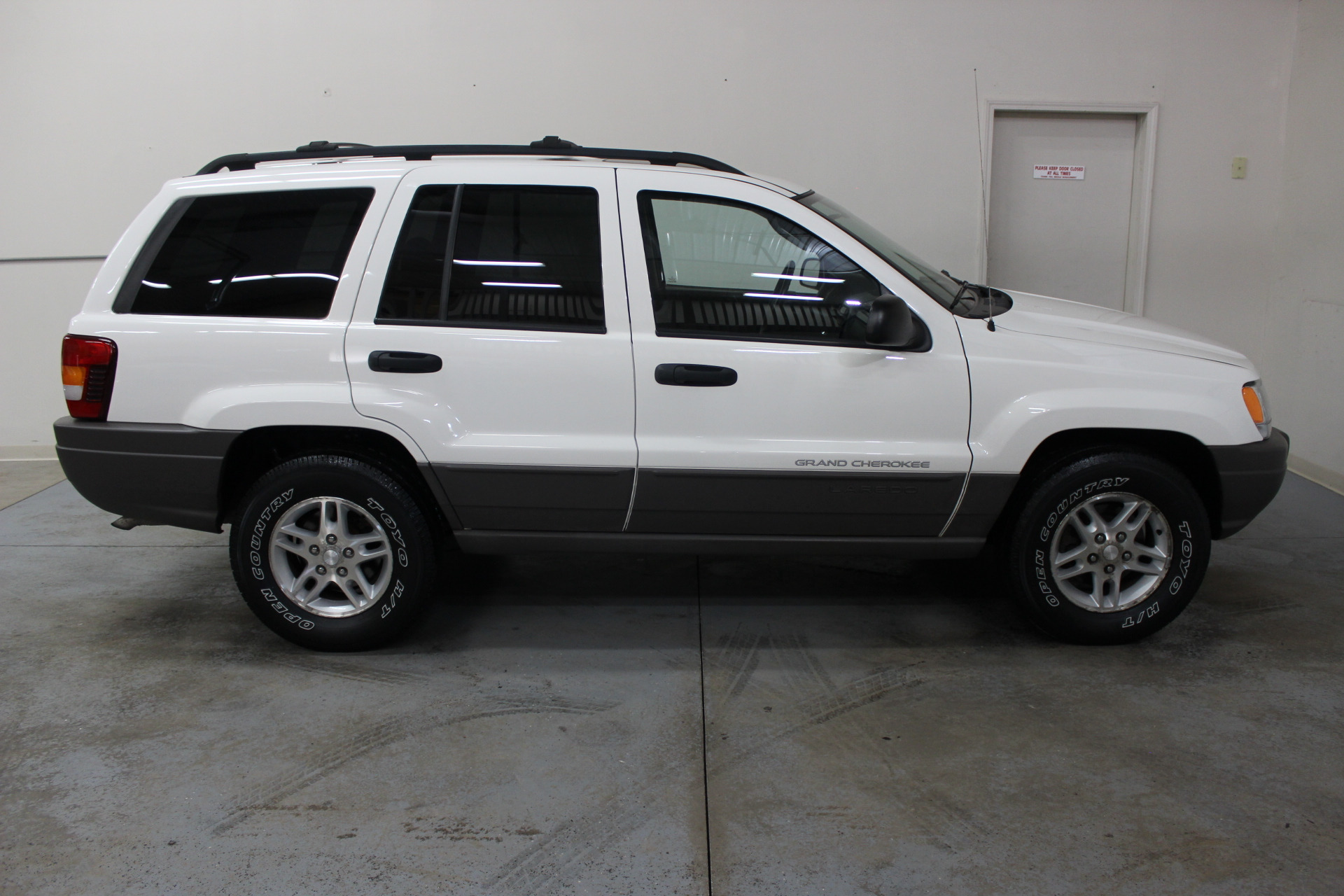 2003 jeep grand cherokee laredo biscayne auto sales pre owned dealership ontario ny. Black Bedroom Furniture Sets. Home Design Ideas