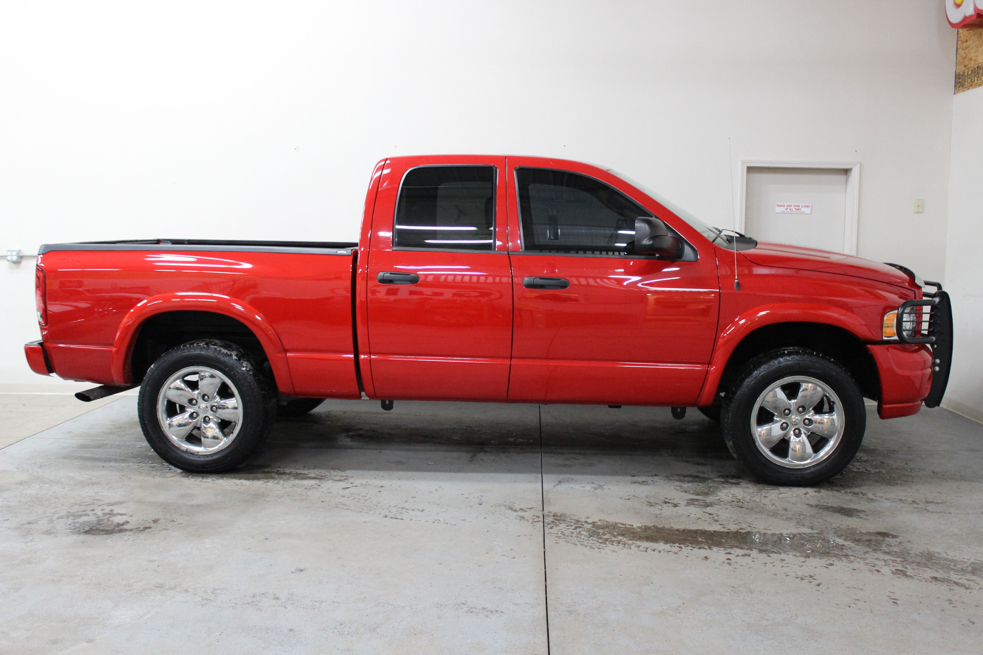 2005 dodge ram pickup 1500 slt biscayne auto sales pre. Black Bedroom Furniture Sets. Home Design Ideas