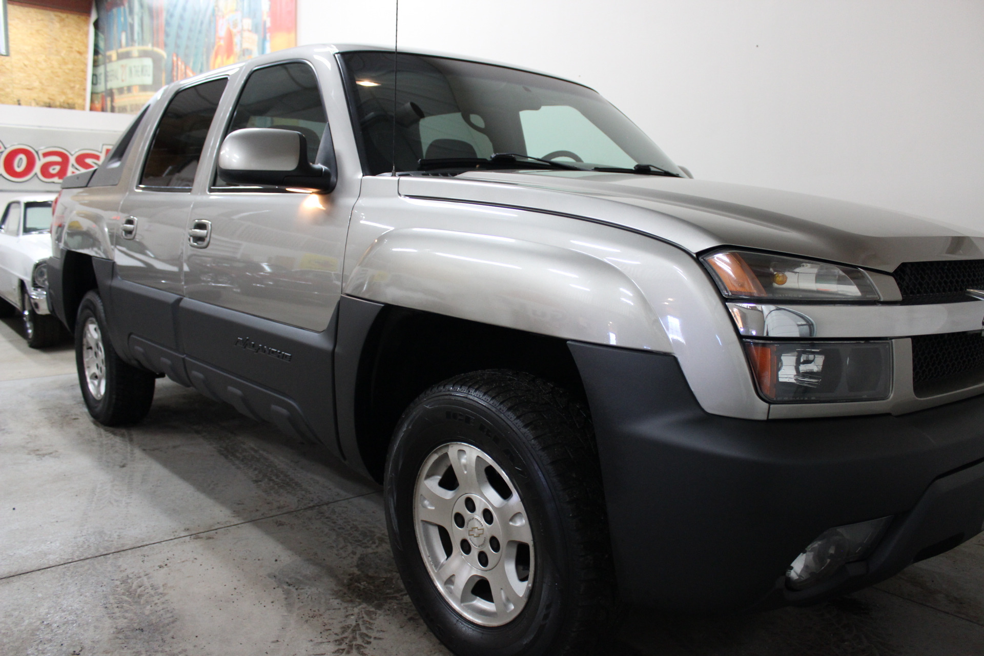2002 chevrolet avalanche 1500 biscayne auto sales pre owned dealership ontario ny. Black Bedroom Furniture Sets. Home Design Ideas