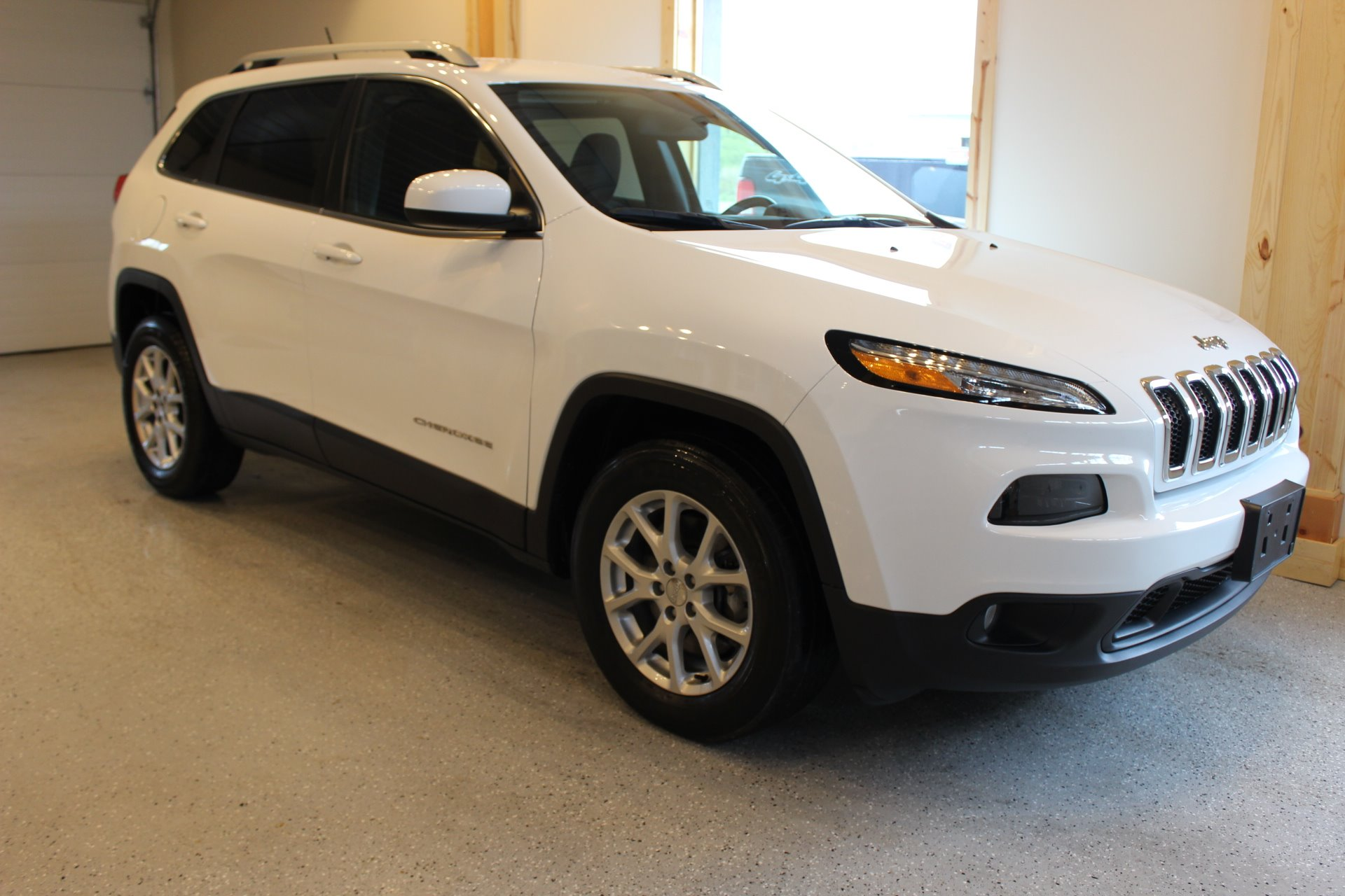 2015 jeep cherokee latitude - biscayne auto s | pre-owned