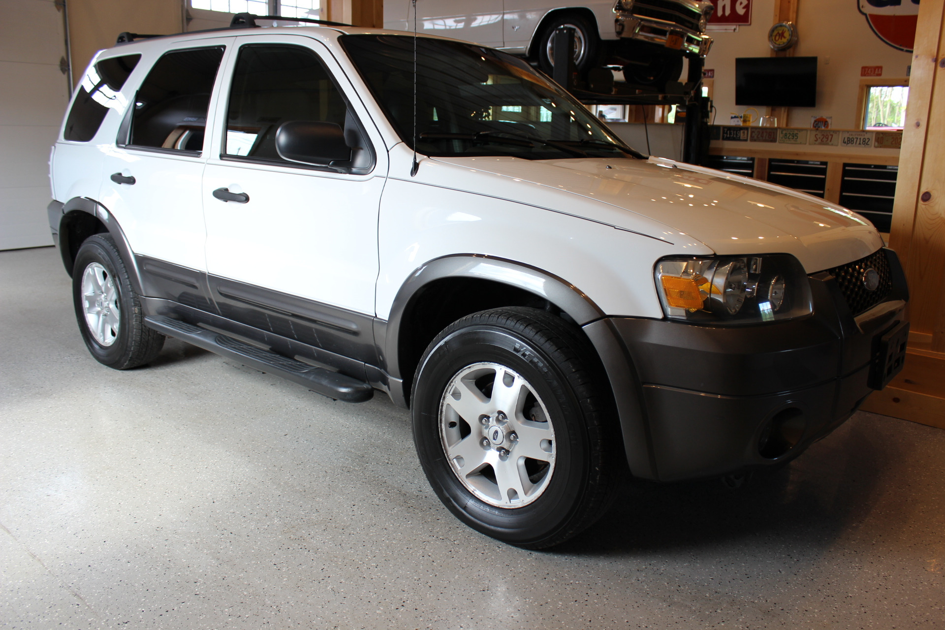 2006 ford escape xlt biscayne auto sales pre owned dealership ontario ny. Black Bedroom Furniture Sets. Home Design Ideas