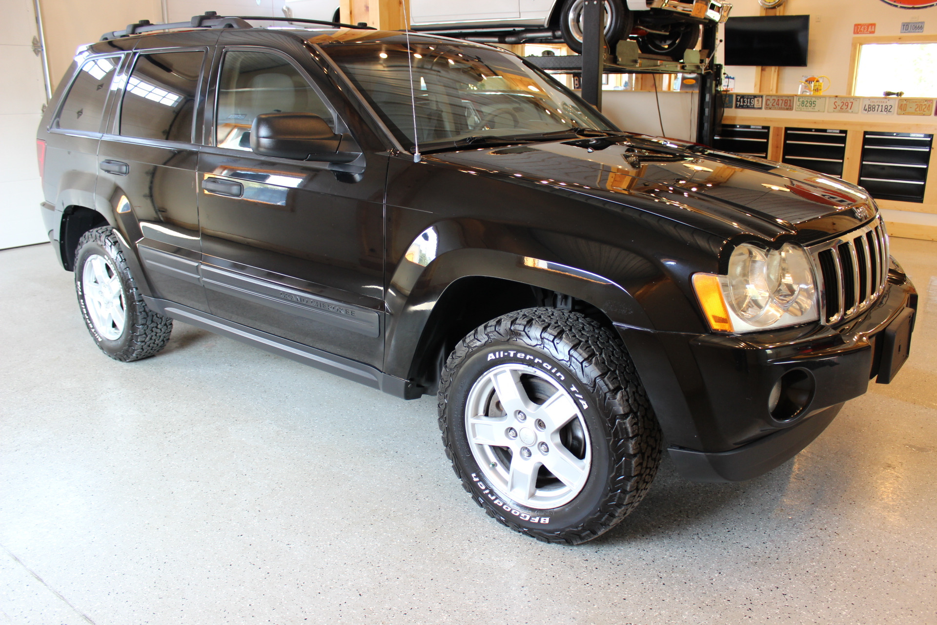 2006 jeep grand cherokee laredo biscayne auto sales pre owned dealership ontario ny. Black Bedroom Furniture Sets. Home Design Ideas