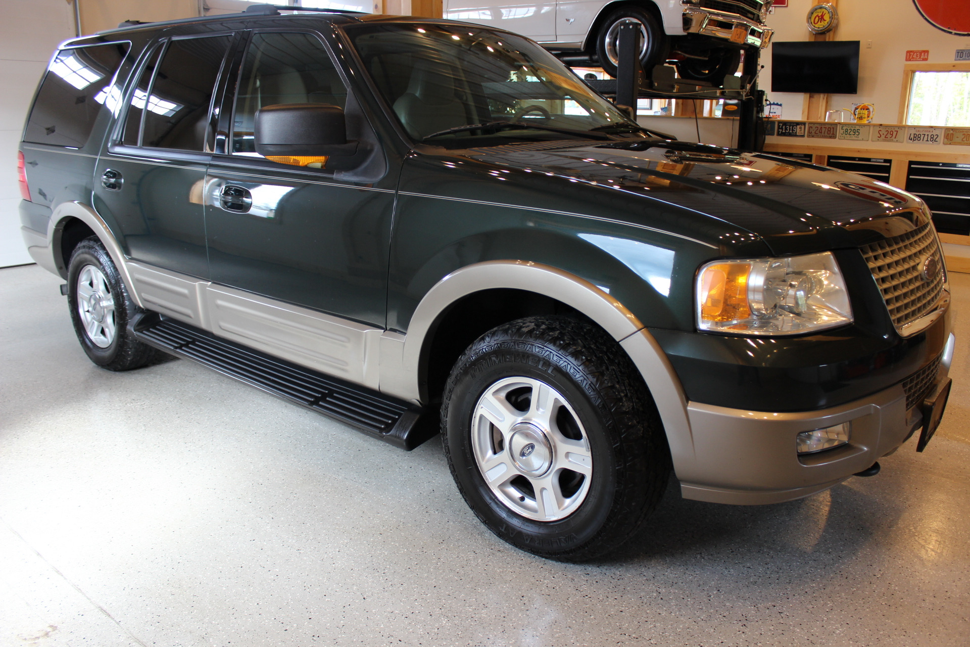 2004 ford expedition eddie bauer biscayne auto sales. Black Bedroom Furniture Sets. Home Design Ideas