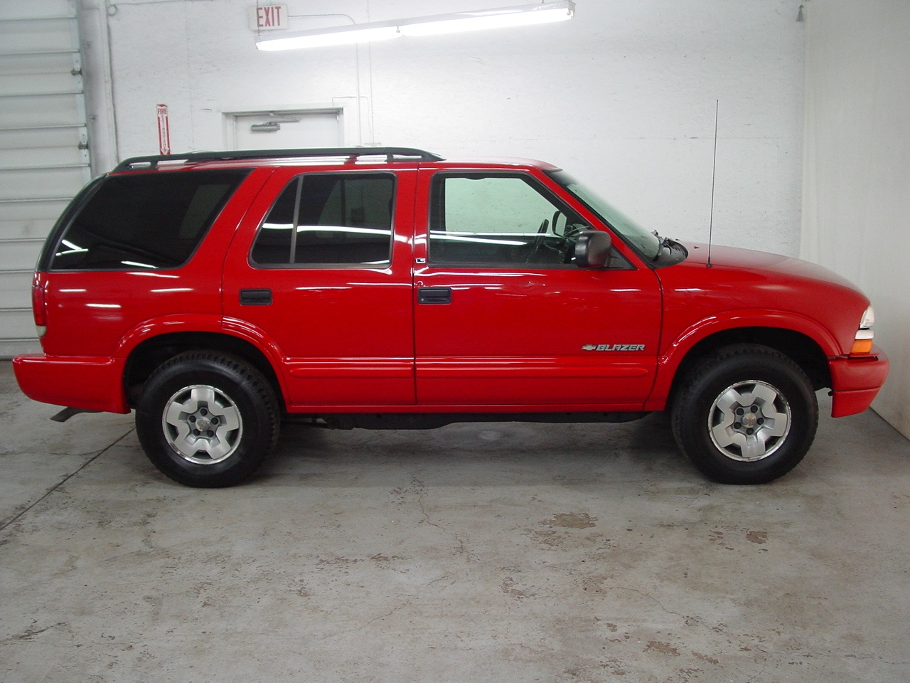 2003 chevrolet blazer ls biscayne auto sales pre owned. Black Bedroom Furniture Sets. Home Design Ideas