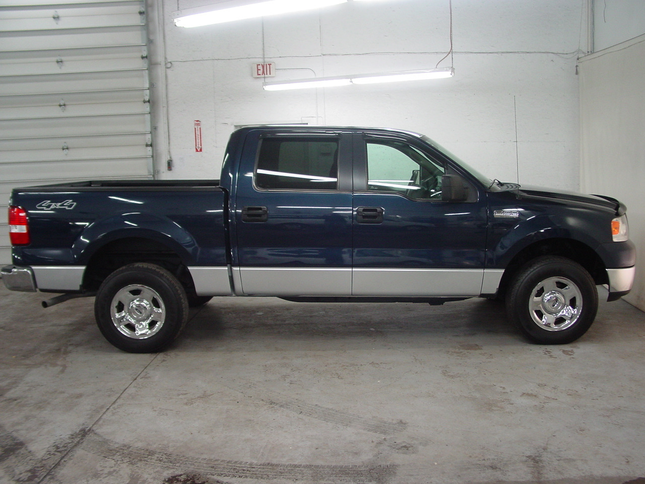 2005 ford f 150 xlt biscayne auto sales pre owned. Black Bedroom Furniture Sets. Home Design Ideas
